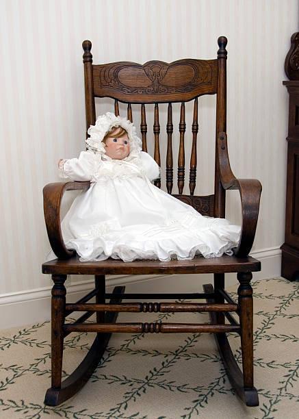 balancín - muñeca bisque fotografías e imágenes de stock