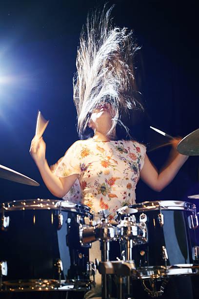 Rock sobre os tambores - foto de acervo