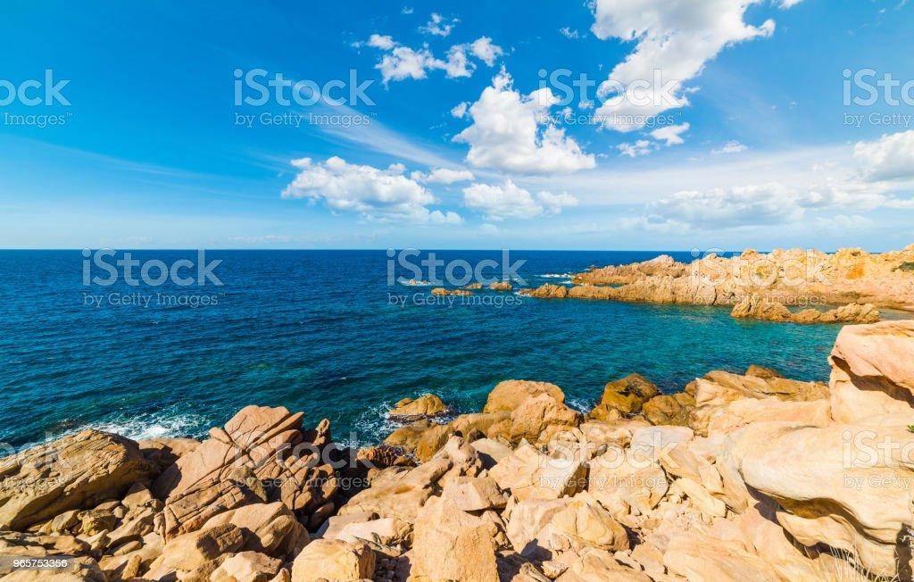 Rocks and blue sea in Costa Paradiso shore - Royalty-free Ao Ar Livre Foto de stock