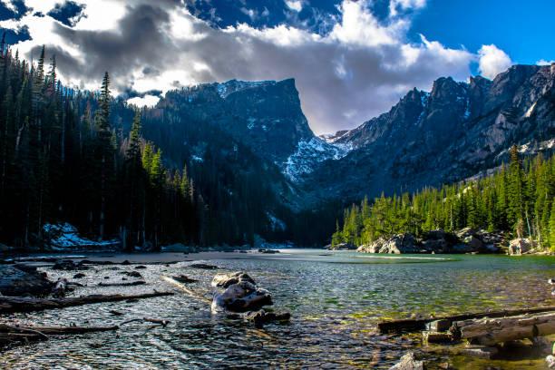 rocky mountain national park in estes park, colorado - estes park foto e immagini stock