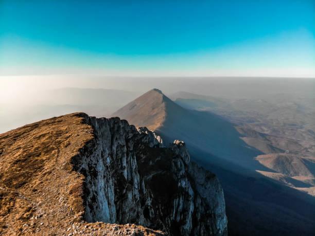 rocky mountain peak - dtephoto stock photos and pictures