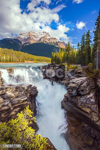 istock Rocky Mountains 1292817783