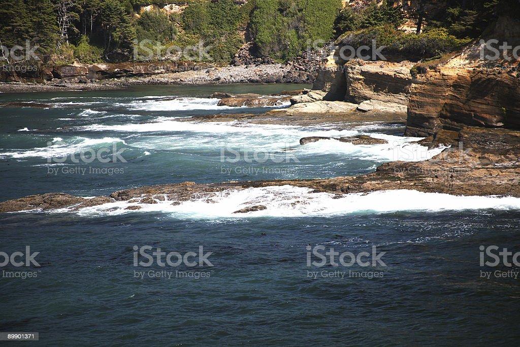 Rocky costa de Oregon-Newport foto de stock libre de derechos