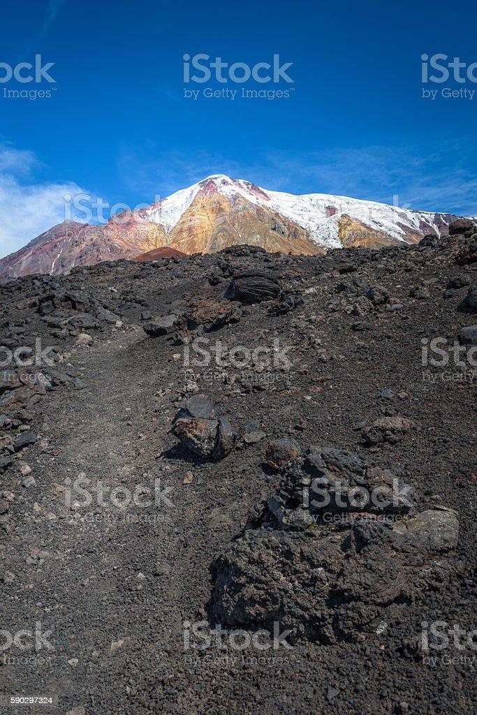 Rocky path leading us to the top of Tolbachik Volcano Стоковые фото Стоковая фотография