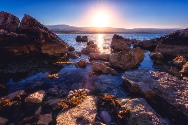 Felsige Meeresse bei Sonnenaufgang, Akamas Halbinsel, Zypern – Foto