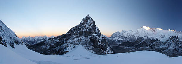 Rocky Summit에 썬라이즈 파노라마, Himalaya, 네팔 스톡 사진