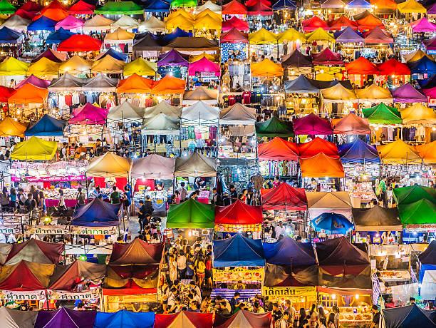ロッド 輝 マーケットバンコク(タイ) - 商売場所 市場 ストックフォトと画像