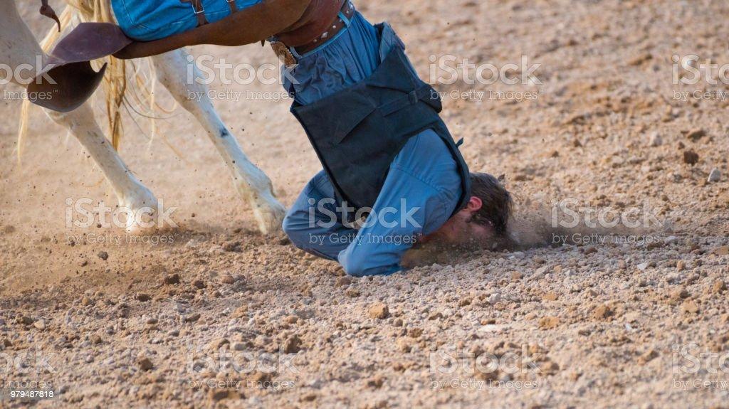 Rodeo Cowboy Pferd herunterfallen – Foto
