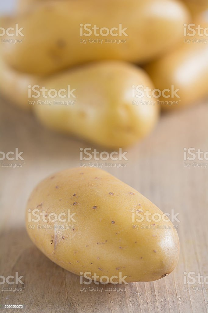 Rohe Kartoffeln stock photo