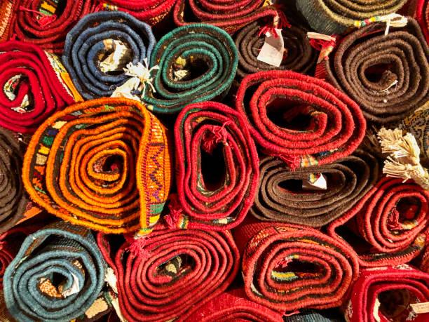 Gerollte Teppiche von Fes – Foto