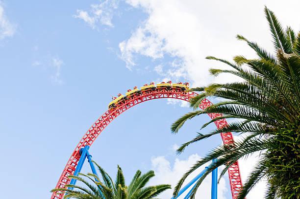 montaña rusa ride - roller coaster fotografías e imágenes de stock