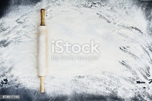 istock Rolling Pin Over Flour Background 878517150