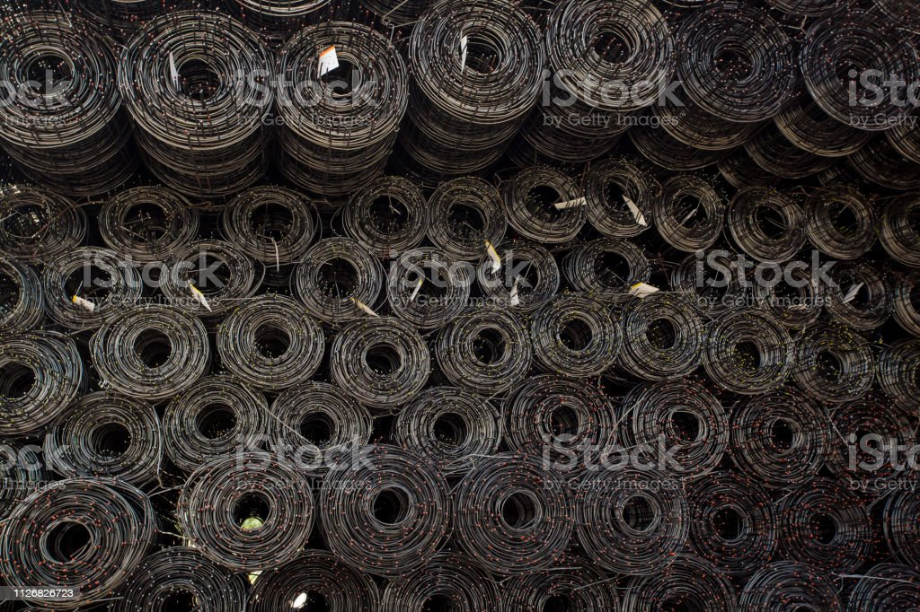 Rolls Of Iron Mesh Use For Reinforce Concrete In