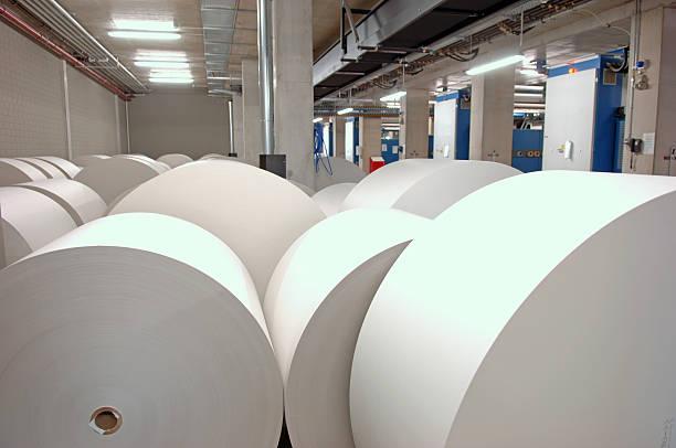 rolls papier zu drucken - papierrollen stock-fotos und bilder