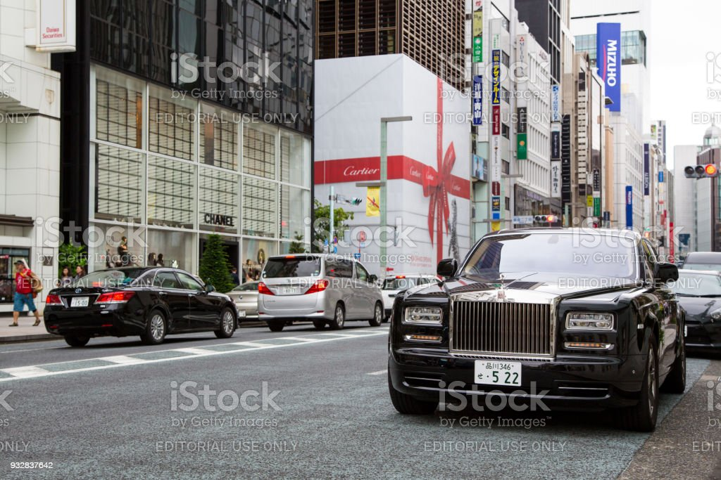 rolls royce phantom in tokyo stock photo more pictures of black
