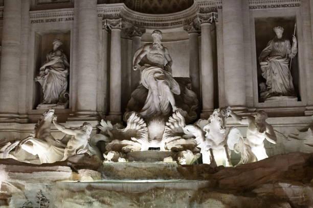 roma - trevi-brunnen - papst benedikt xvi stock-fotos und bilder