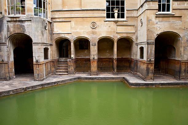 Roman Baths The historic Roman Baths in Bath, Somerset. roman baths england stock pictures, royalty-free photos & images