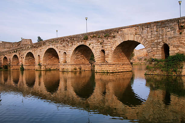 Puente romano en Mérida - foto de stock