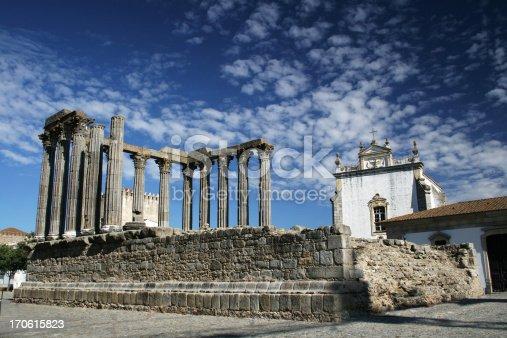 istock Roman temple in Évora 170615823