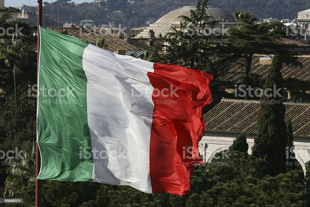 Roman vista con bandiera italiana foto stock royalty-free