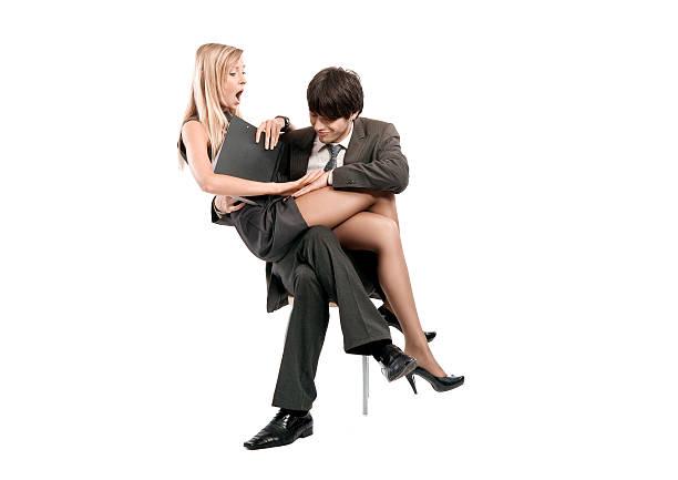 муж шлепает жену зрелище