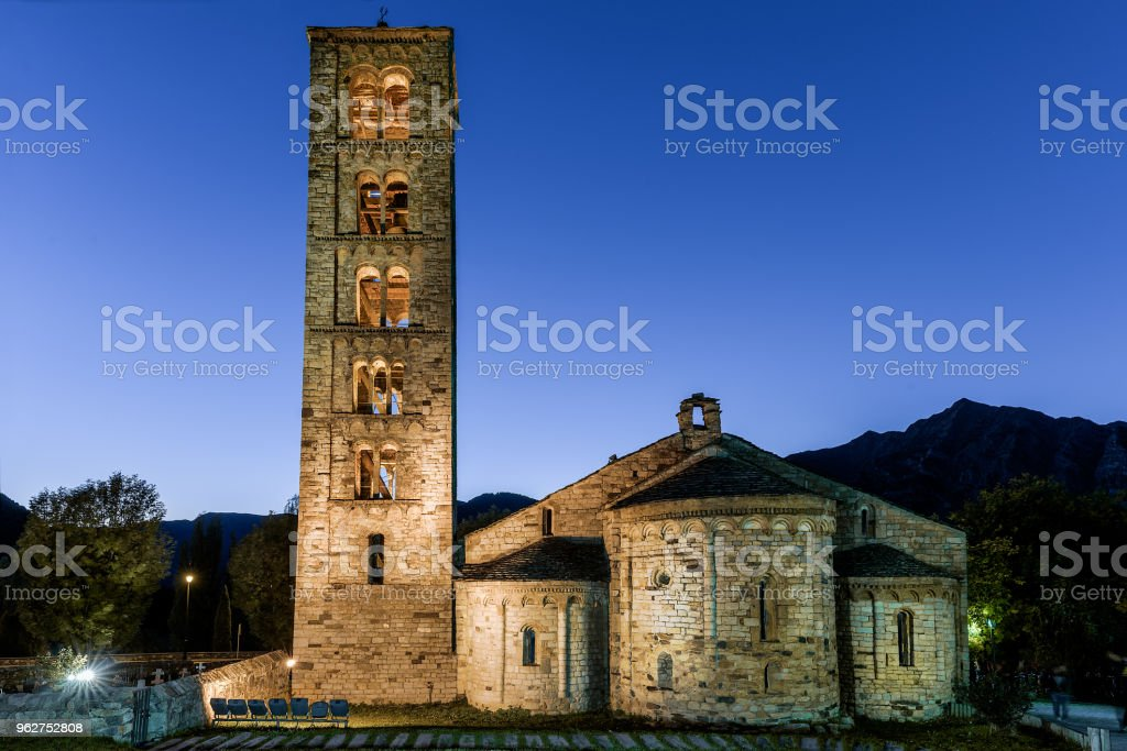 Romanesche church of Sant Climent in Taüll, Vall de Bohí. Lleida - Foto stock royalty-free di Cattolicesimo