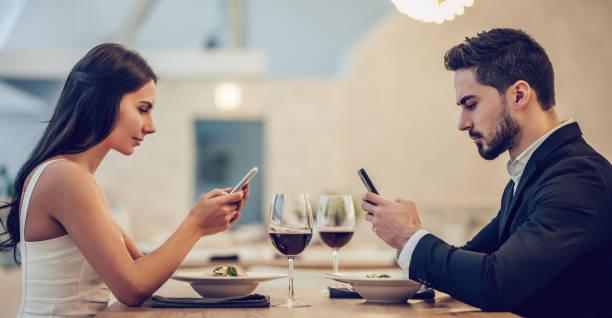 Romantic couple in restaurant picture id908553898?b=1&k=6&m=908553898&s=612x612&w=0&h=xf7hr4inl9mtlsxisupnuywziifegneq0cpzxqfvz c=