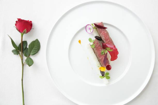 jantar romântico - fine dining - fotografias e filmes do acervo