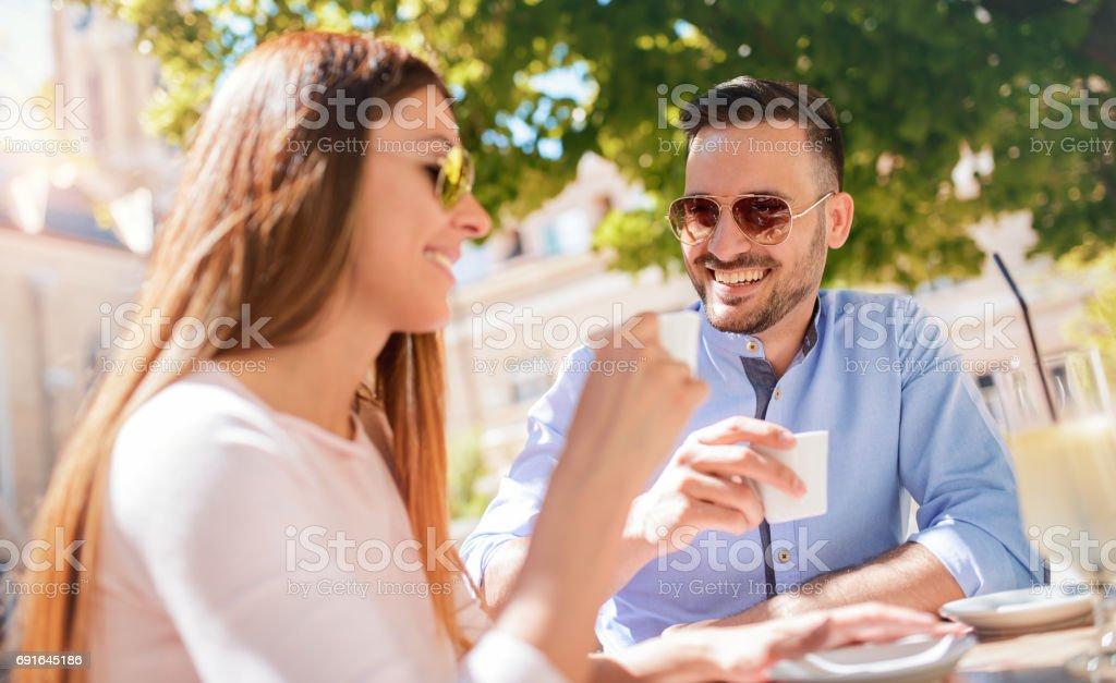 Hoe om te weten of ex is dating iemand anders