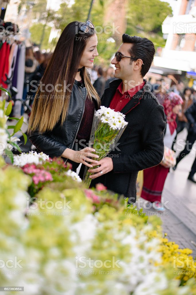 Uniform Dating mobil