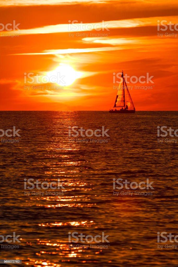 Romantic sunset over the sea zbiór zdjęć royalty-free