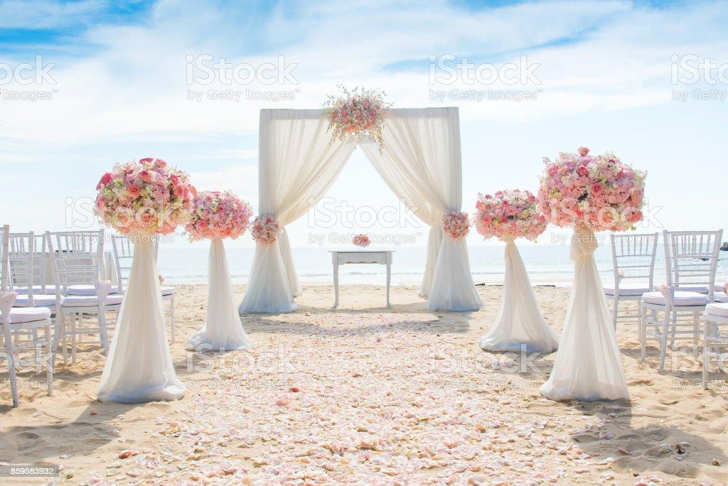 Romantische Hochzeit Am Strand Stock Fotografie Und Mehr Bilder Von