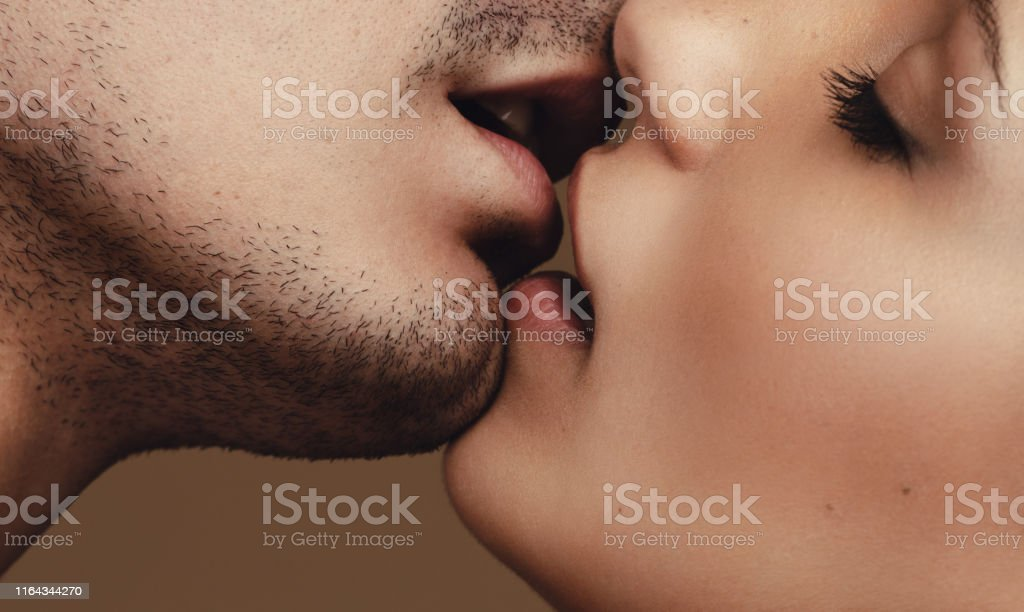 Romantic young couple kissing - Royalty-free Adult Stock Photo