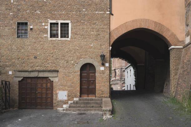 rome forgotten corner - roma foto e immagini stock