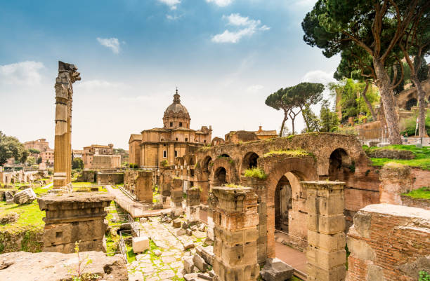 rome, italy. ruins of the roman forum. - unesco foto e immagini stock
