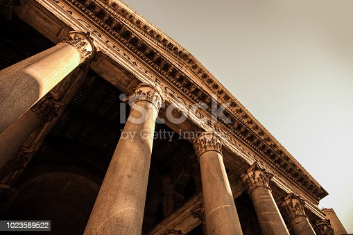 Rome Pantheon - Outdoor columns and entrance