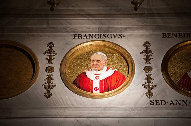 rome, san paolo fuori le mura: mosaic of pope francis - pope francis stok fotoğraflar ve resimler