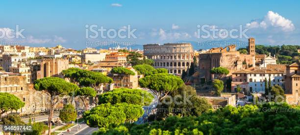 Rome skyline with colosseum and roman forum italy picture id946597442?b=1&k=6&m=946597442&s=612x612&h=wssnanvkxb0xphamxhvh 47jgcrpq1kvuxojwsbhoi8=