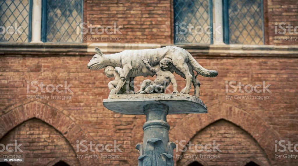 romulus and remus statue stock photo