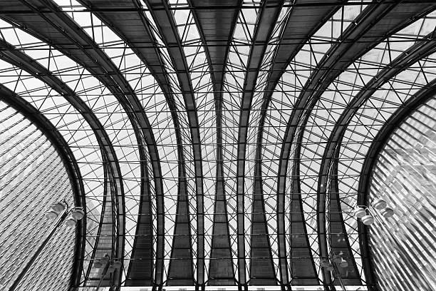 roof of canary wharf subway station - double_p stockfoto's en -beelden