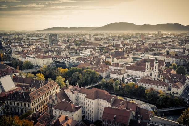 dach von graz, österreich - stadt graz stock-fotos und bilder