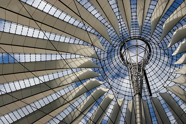 Dach Sony Center in Berlin. – Foto
