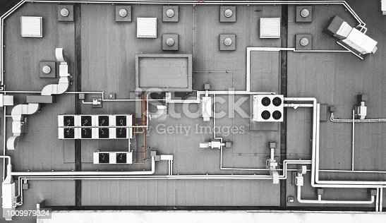 istock Roof top heating ventilation system 1009979324