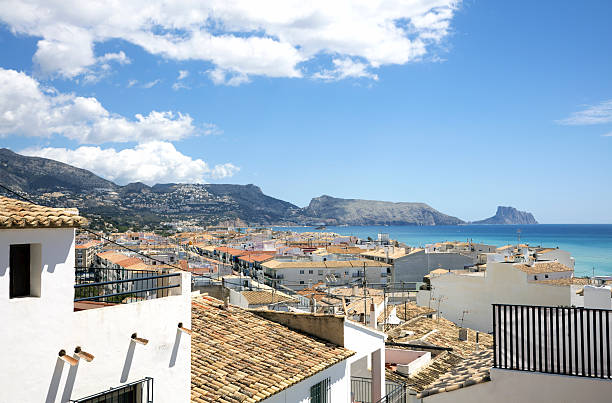 Roofs of Altea old town and the Mediterranean Sea - foto de stock