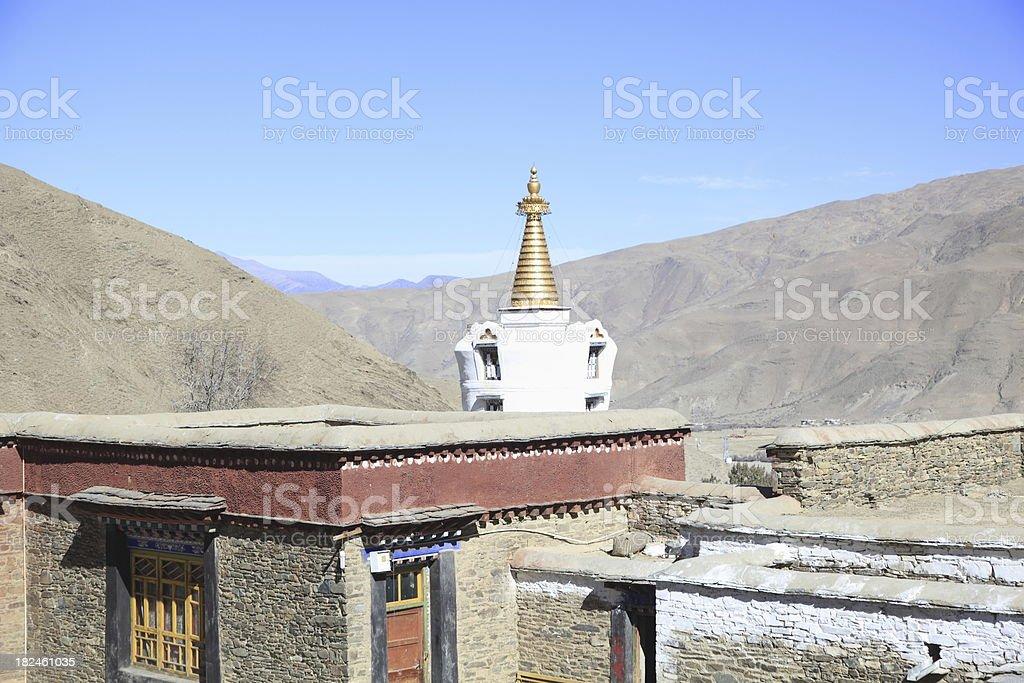 En el último piso y por estupa Mindroling el Tíbet foto de stock libre de derechos