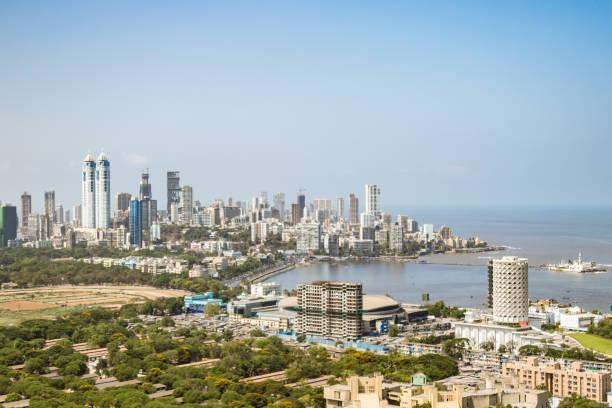 op het dak beeld van gebouwen en naburige gemeenschap - mumbai, maharashtra - mumbai stockfoto's en -beelden