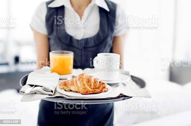 Room service hotel staff carries breakfast tray picture id483344381?b=1&k=6&m=483344381&s=612x612&h=qpmwq7obk70qpptan c0wymebzr8k5f5ijeetj12nsw=
