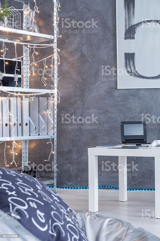 Room with cyan wall background photo libre de droits