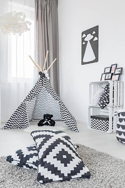 room with play tent - do it yourself hochbett stock-fotos und bilder