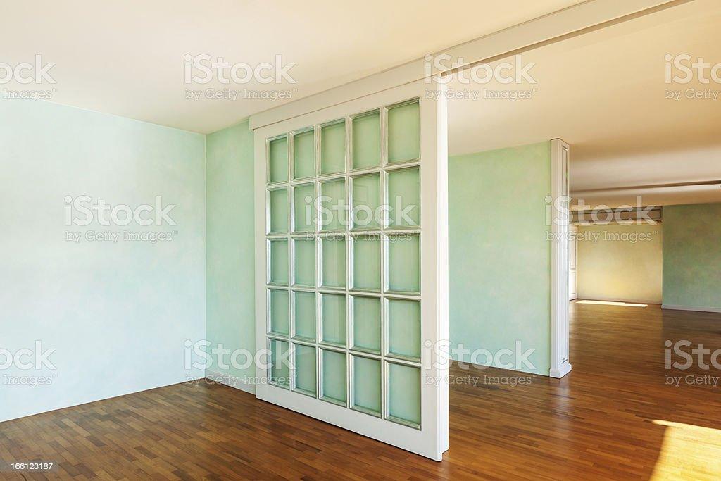 Zimmer Mit Schiebeturen Stock Fotografie Und Mehr Bilder Von